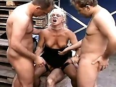Lusty mature model in tube sex videos