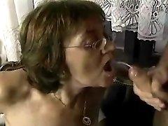 Hot mom model filmed in porn clips