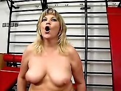 Cute mom works out and fucks in gym