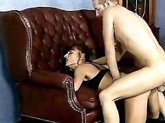 Mom with pierced pussy gets pounded