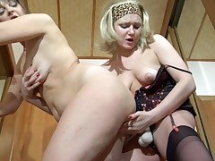 Leonora&Jaclyn live lesbian mature action