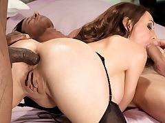 Raquel's anal threesome