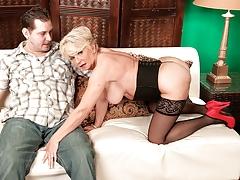 Deanna Bentley, Mid-western Sex cream Pie Slut