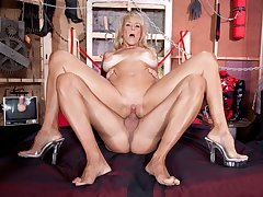 On Your Knees, Brittney!