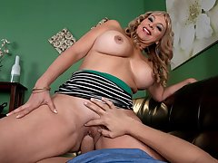 Big-titted, big-assed Colombian MILF gets a facial