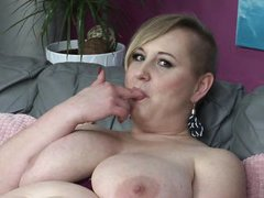 perverted lady pushing her fingers inside
