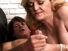 Mature fucks and watches on cumshot